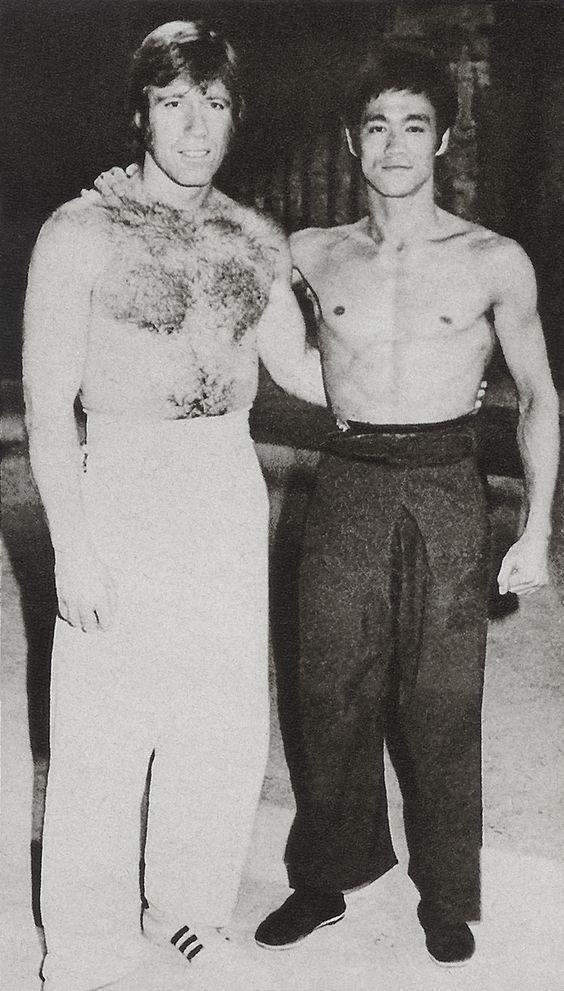 Bruce Lee iChuck Norris