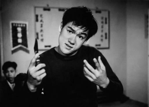 """Nastoletni Bruce Lee naplanie filmu """"The Orhpan"""", 1960 rok"""