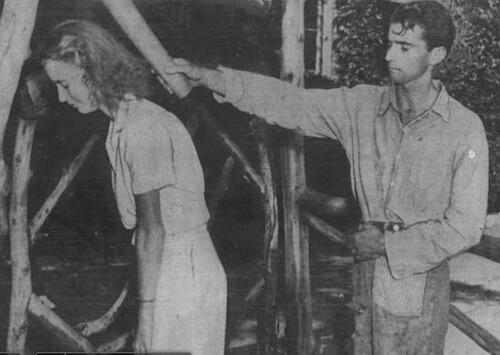 DeWitt Cook demonstruje sposób zamordowania Anyi Sosyewy