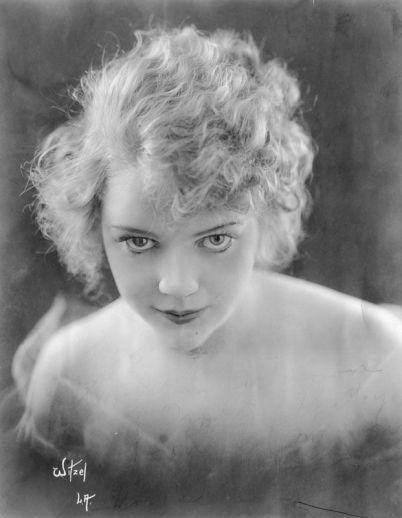 Hazel Glab, początek lat 20.