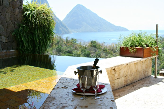 Jade mountain resort and honeymoon review and tips for traveling