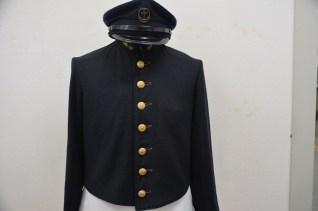 予科練の制服のボタンは7つ