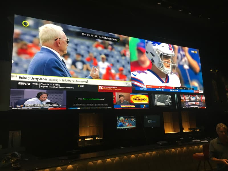 Case Study – LED video wall Epic Sports Bar Samsung