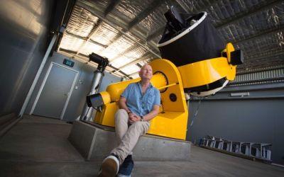 Incident: Cyber attack threatened WA astrophysicists' shot at gravitational waves, colliding neutron stars | ABC News (Australia)