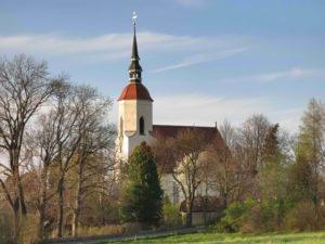 Kirche Bertsdorf im Frühjahr 2016, Foto: M.Jyrch
