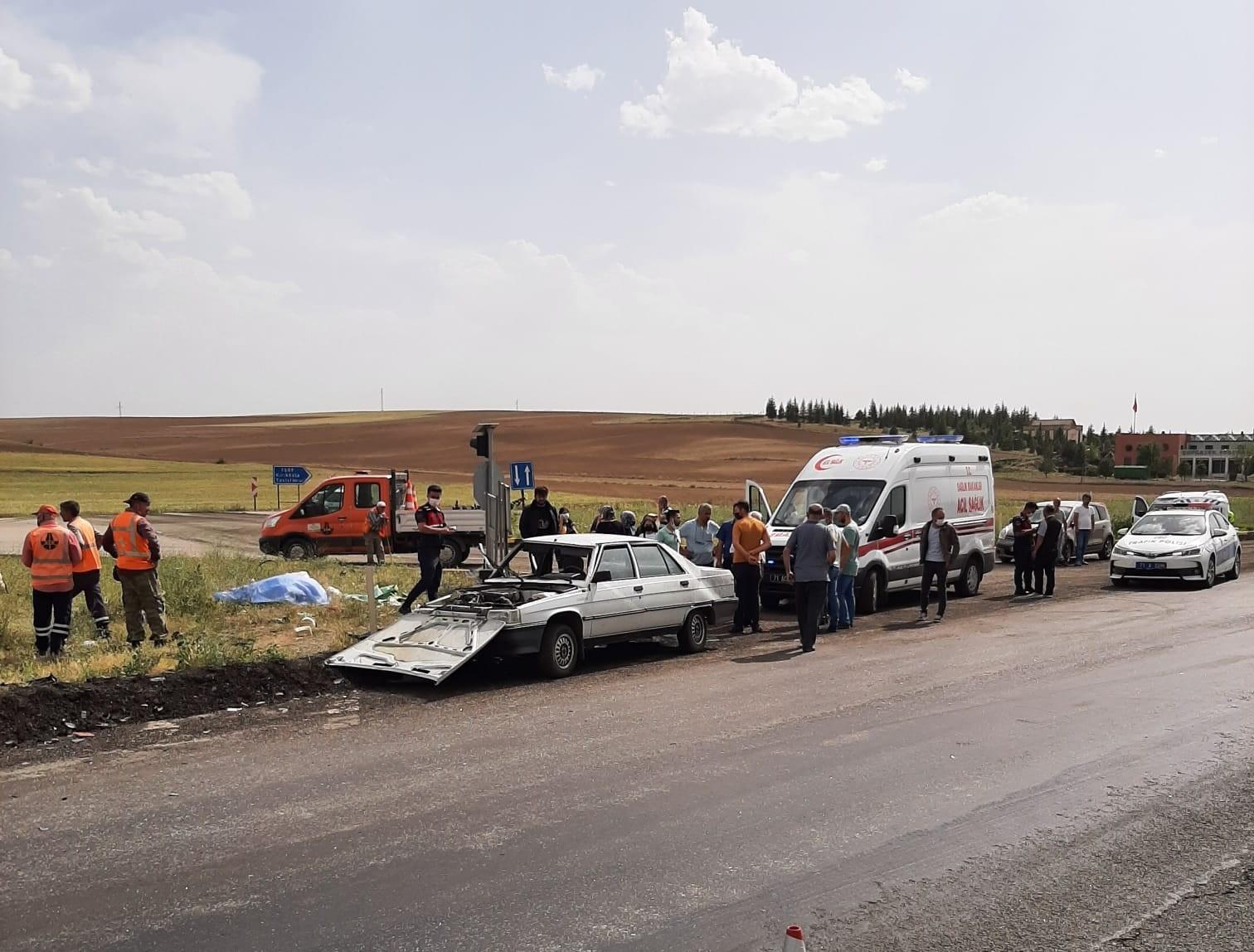 Kırıkkale'de iki otomobil çarpıştı: 1 ölü, 2 yaralı
