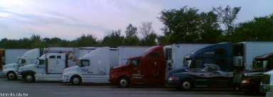 2006-07-11 休息站的卡車們