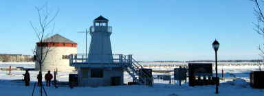 2003-02-08 雪地中的燈塔