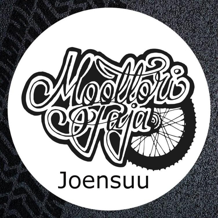 Joensuun moottoripajan logo. Renkaan kuva ja tyylitelty teksti Moottoripaja Joensuu.
