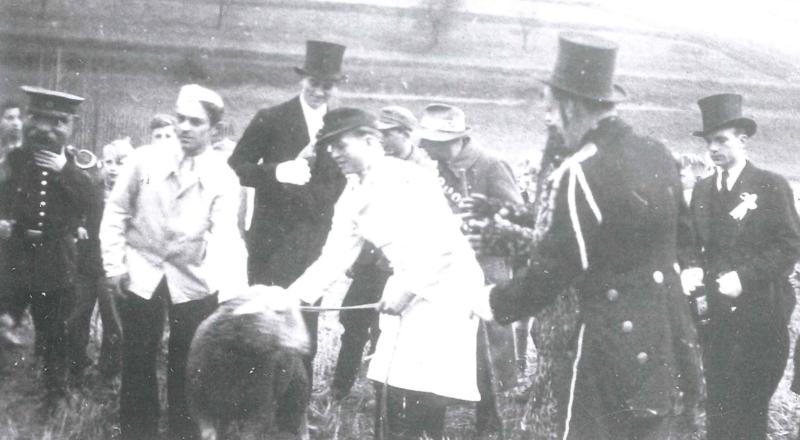 erste Nachkriegskirmes 1946 - Abholung des Hammels