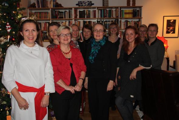 Kirsin Book Club on perustettu Lucian päivänä 2010. Tässä 1-vuotisjuhlillla.