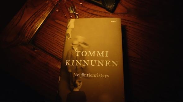 Minnan ykkönen oli Tommi Kinnusen Neljäntienristeys. Blogissammekin se sai viime vuoden marraskuussa täydet viisi tähteä.