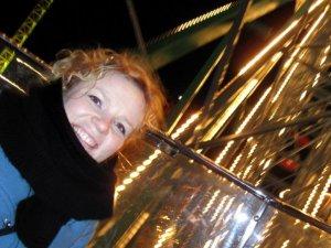 Minna Joenniemi tunnetaan Runoraati-Minnana, mutta yhtä paljon hänon kuvataide-Minna, viime kesän Mäntän kuvataideviikkojen kuraattori, ja arkkitehtuuri-Minna, jonka toimittama 10-osainen sarja Rakenna minut alkaa Yle Radio 1:ssä maanantaina 20.10.2014