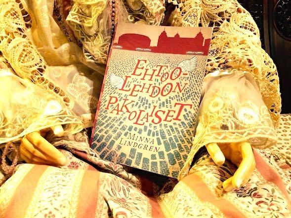 Minna Lindgrenin Ehtoolehto-trilogian käännösoikeudet on myyty useaan maahan.
