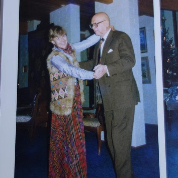 Kirjan kuvitusta Maarit Tyrkön 28-vuotissyntymäpäiviltä