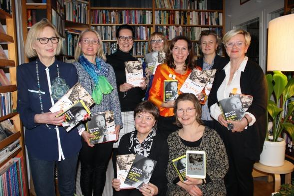 Bookclubilaiset naisjournalistien illassa Lahdessa tammikuussa 2015