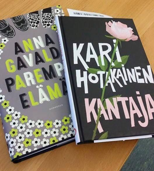 """Liisa ennakoi, että """"se kirja tulee luokseni, jota nyt tarvitsen"""". Kirjakaupassa valinnaksi muodostui Anna Gavaldan Parempi elämä."""