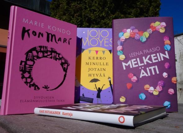 Omat ostokseni olivat kovin vaaleanpunaisia. Ilmeisesti hain lukulistallani olevien tiukkojen teosten rinnalle viihdyttävämpää lukukokemusta. KonMarin opeilla alkaa kevätsiivous ihan kohta - vai lukisiko pari kirjaa ensin...