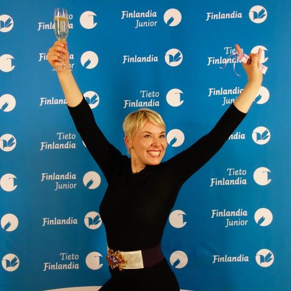 Laura Lindstedt, onnellinen Finlandia-voittaja