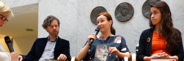 Mazarin Maria Saari pohdiskeli, miten vastata Airin kysymykseen John Williamsin Stonerista.