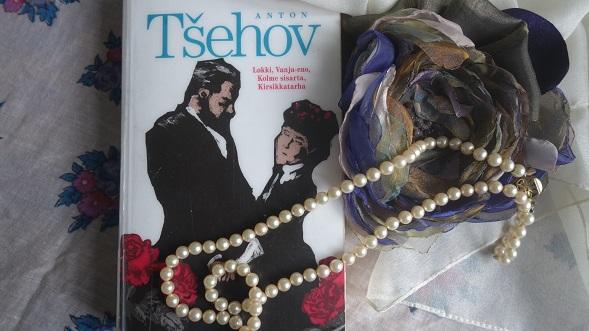 Anton Tsehovin naiset kaipasivat toisaalle.