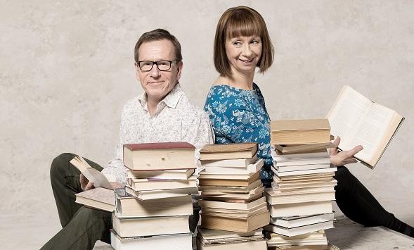 Ylen kirjallisuustoimittajat Seppo Puttonen ja Nadja Nowak tekivät ison työn ja valitsivat yhden kirjan jokaiselta Suomen itsenäisyyden vuodelta.