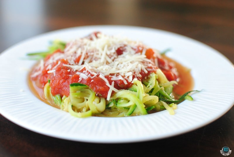 An easy recipe for how to make zucchini pasta. Gluten free! Low calorie! BUT TASTES LIKE PASTA.