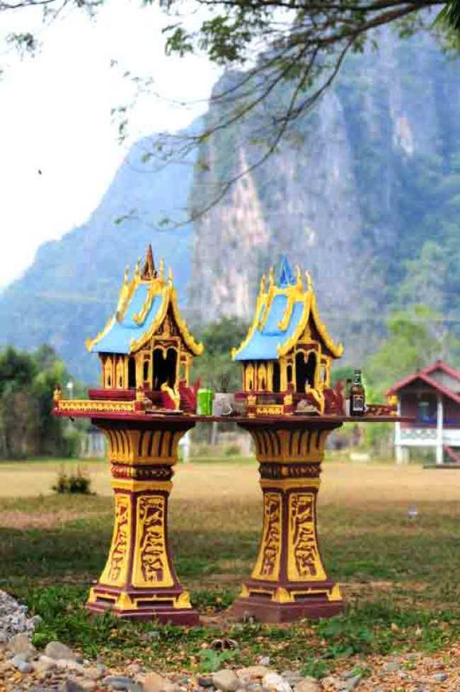 Laos.to-templer