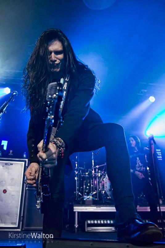 Slash-ConcordMusicHall-Chicago_IL-20150518-KirstineWalton003