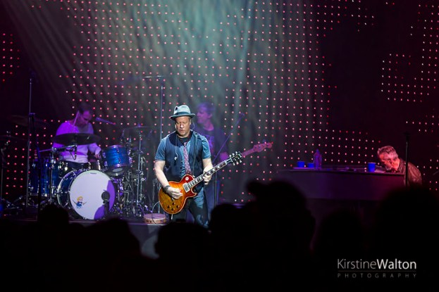 CountingCrows-FirstMeritBankPavilion-Chicago_IL-20150912-KirstineWalton009