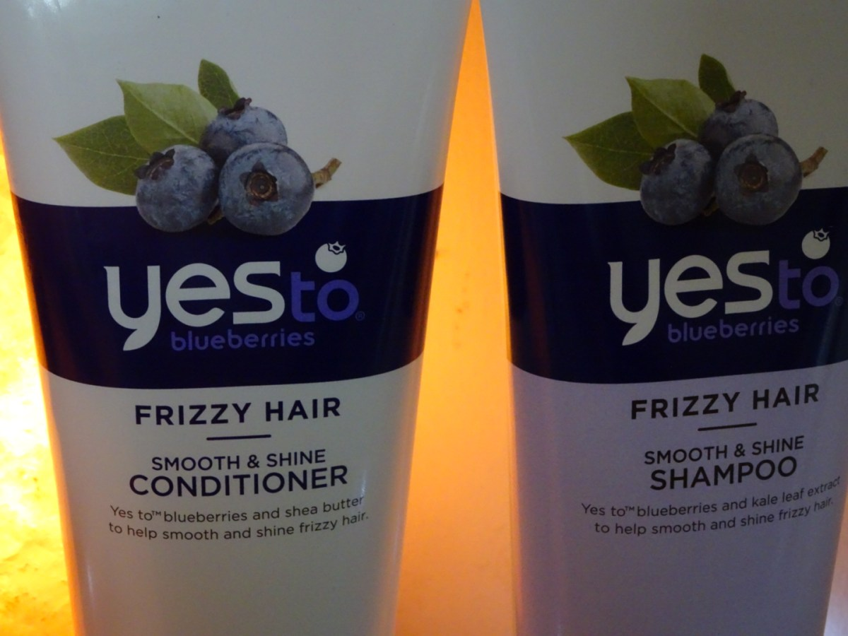 Review: Yes To Blueberries Shampoo & Conditioner