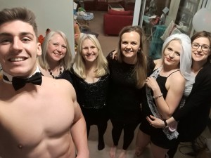 hen do selfie with butler in buff