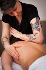 Massage mit Unterarm