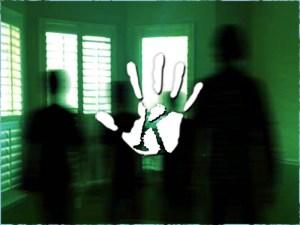 Arra ébredtem, hogy nem vagyok egyedül a szobában: 10 hátborzongató szellemsztori