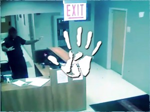 A biztonsági kamera felvette: Éjszakás portás nyugtatott egy szellemet az idősek otthonában
