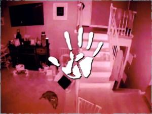 Gyerek szelleme játszott a nappaliban, pont a biztonsági kamera előtt