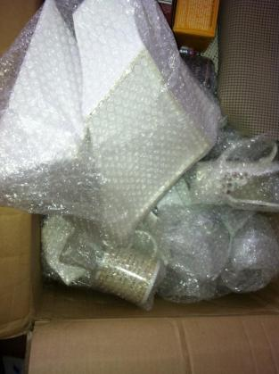 Arrive to NY and my dishes shipped... arrived like this :/