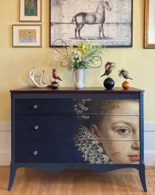 Royal Dresser