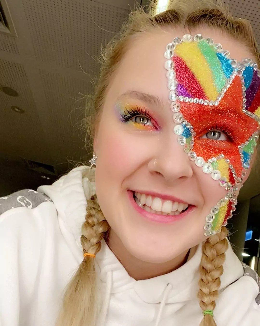 Jojo Siwa The Substitute : substitute, Almost, Didn't, Recognise, These, Latest, Pictures