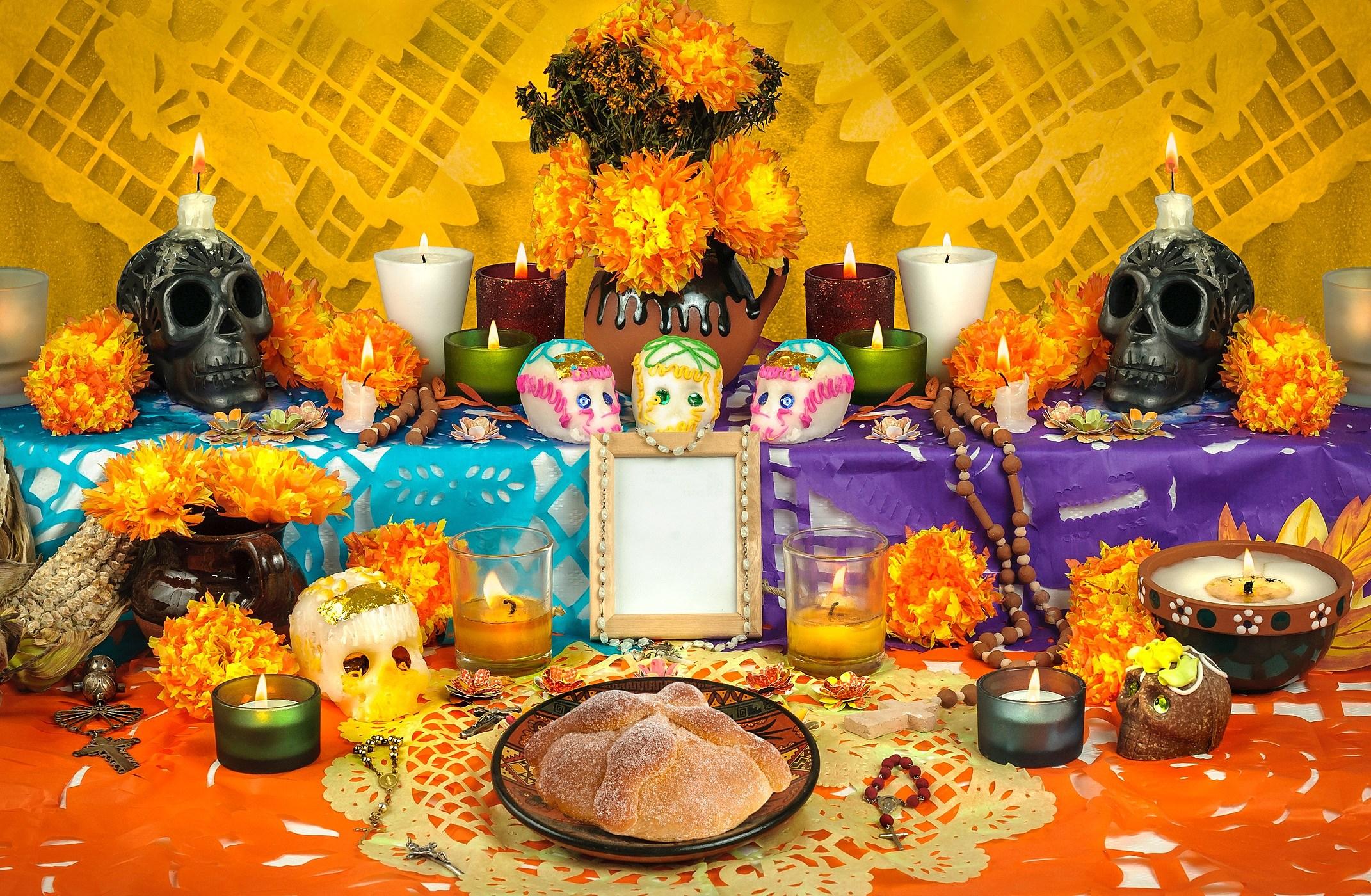 Resultado de imagem para día de los muertos altar