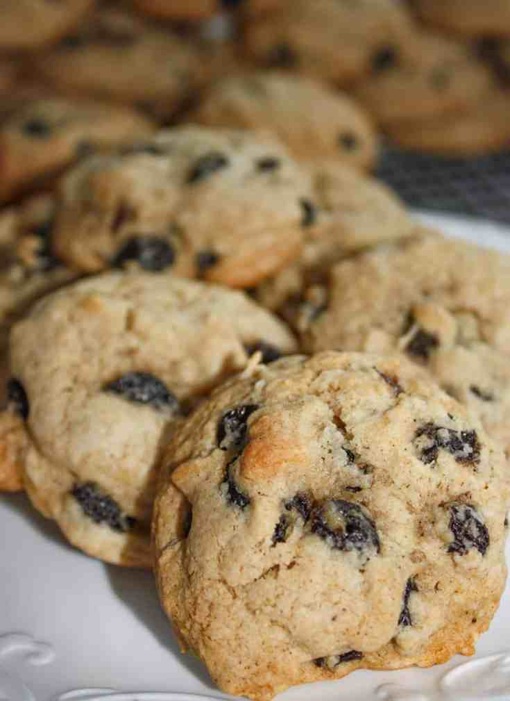 Jumbo Raisin Cookies are loaded with flavour and raisins. This soft gluten free cookie, with hints of cinnamon and cloves, is a great snack on a cool day paired with hot chocolate or your favourite tea blend.