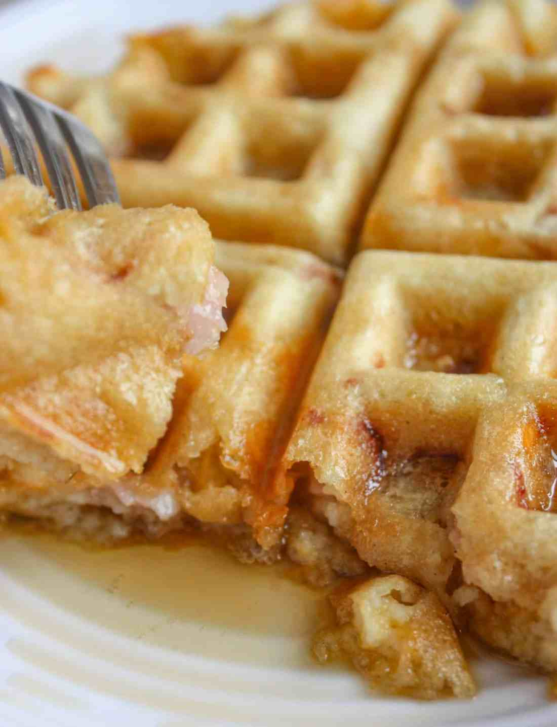 Waffles of any kind are a nice breakfast or brunch treat for young and old alike.  These gluten free Ham and Cheese Waffles provide a nice contrast of flavours with old cheddar cheese paired with pure maple syrup.
