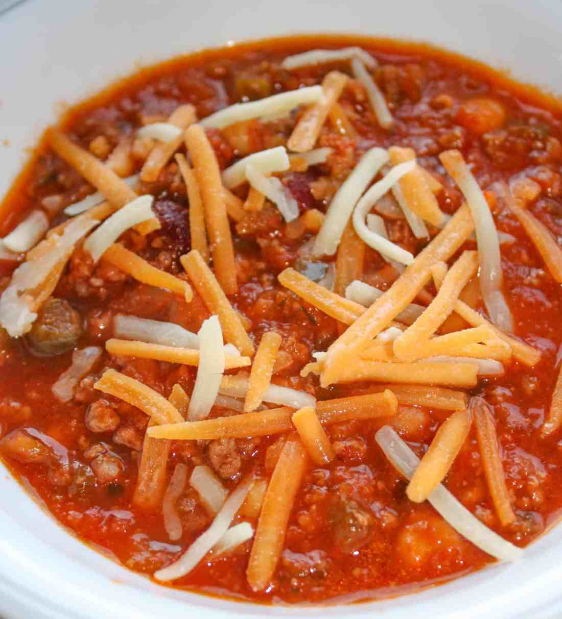 Instant Pot Beef Chili is a quick one pot dinner recipe to warm you up this fall and winter.  It is loaded with flavour and it is very easy to kick up or lower the heat depending on the intensity of the salsa you choose to add.