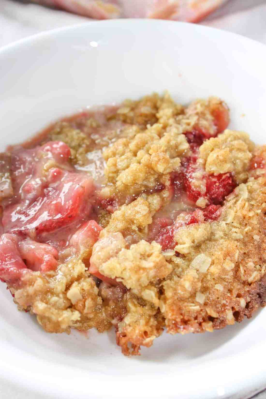 Gluten Free Strawberry Rhubarb Crisp is a wonderful blend of flavours and textures. This seasonal dessert will delight the taste buds of young and old alike.