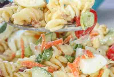 Creamy Lemon Dill Pasta Salad is a flavourful side dish for any occasion. Loaded with gluten free pasta, vegetables, bacon and dried dill it is a tasty,colourful addition to any meal.