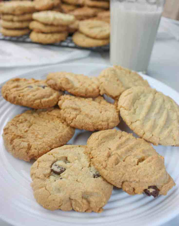 Peanut Butter Cookies 1 to 1 Flour is an easy gluten free cookie recipe. These cookies are the perfect dessert for peanut butter lovers because they incorporate natual peanut butter to get that true peanut taste!