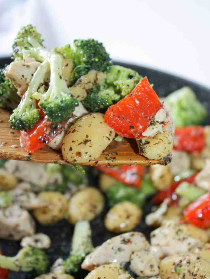 Chicken and Gnocchi Skillet Dinner is an easy gluten free recipe that is loaded with flavour.