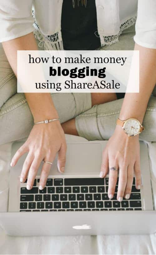 How To Make Money Blogging Using ShareASale :: I love that I can do something I really enjoy from the comfort of my home and make some money to boot and I want to show you how you can do it, too. And it's so, so EASY! So read on to learn how to make money blogging using ShareASale!