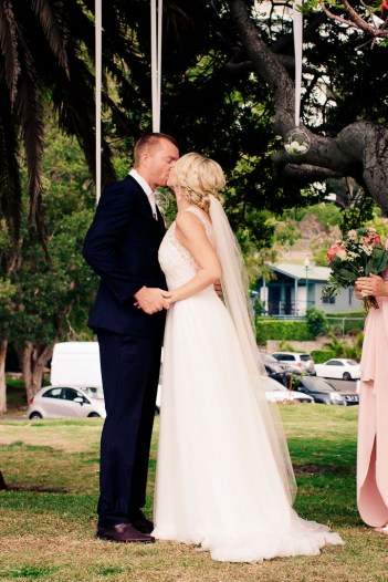 burleigh-heads-wedding-libby-wayne-kiss-the-groom-photography-0496