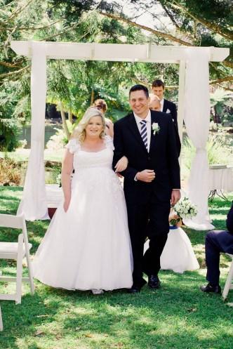cedar-creek-winery-estate-wedding-kiss-the-groom-photography-39